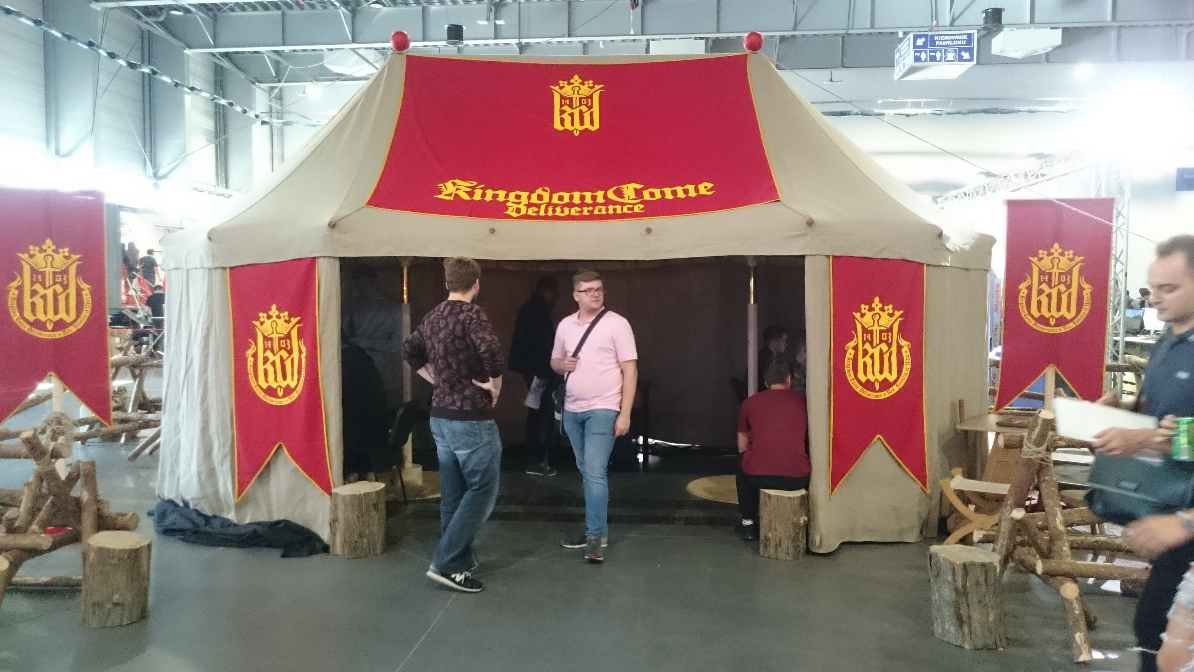 Namiot promujący grę Kingdom Come Deliverance