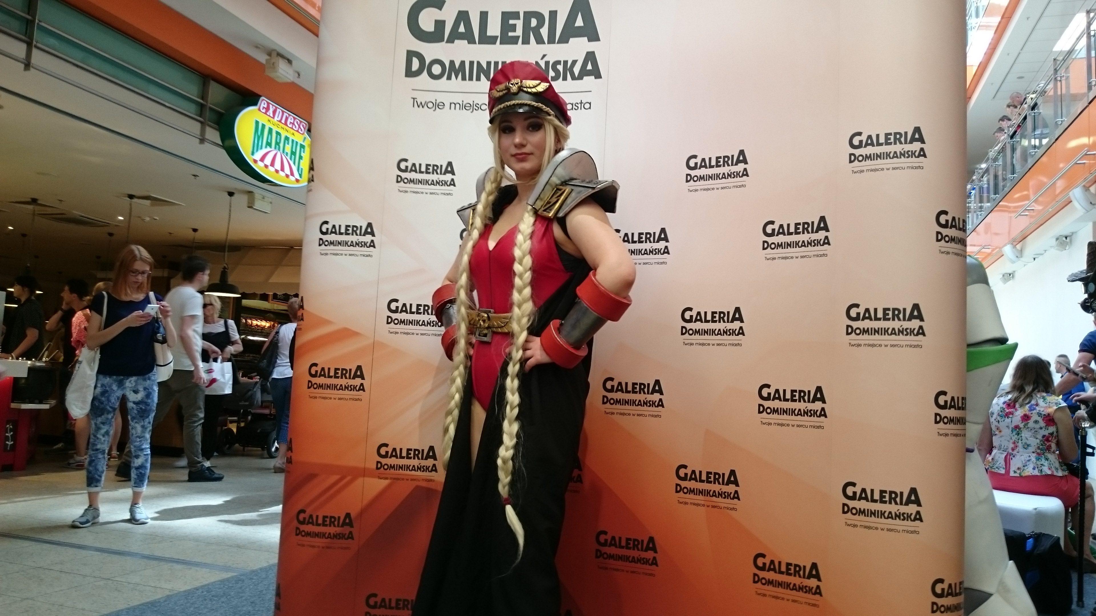 Calypsen w cosplayu podczas weekendu z cosplayerami w Galerii Dominikańskiej we Wrocławiu