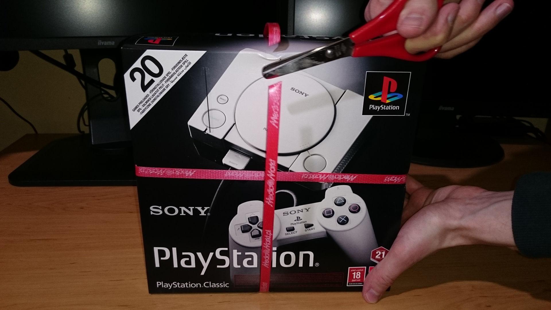 Rozpakowanie PlayStation Classic