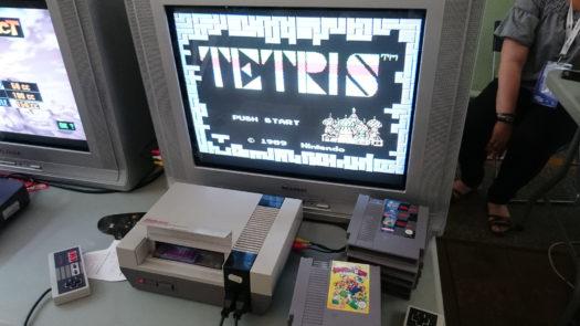 Tetris na Nintendo Entertainment System na jednym ze stanowisk podczas Pixel Heaven 2018