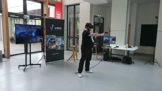 Zabawa z VR na stanowisku VIRO na Pixel Connect 2019